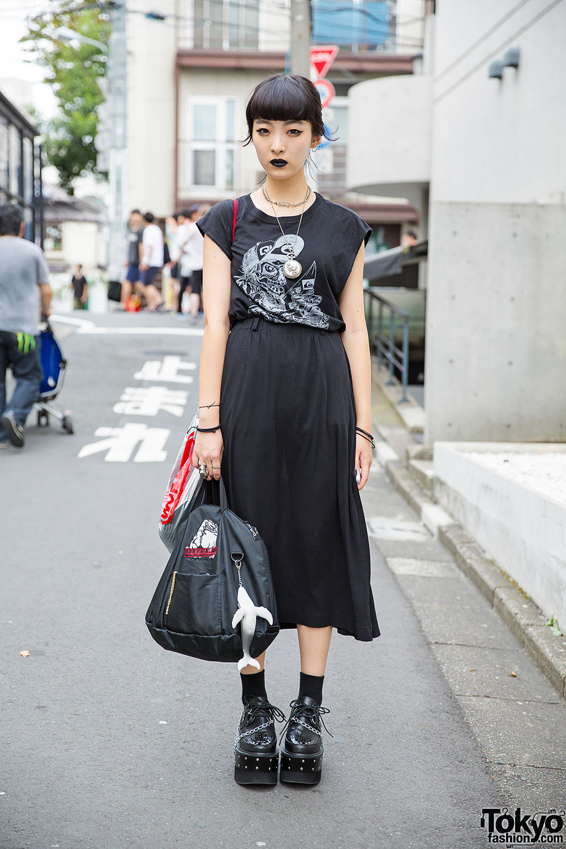 All Black Fashion, Black Lipstick & Chain Platform Creepers in Harajuku