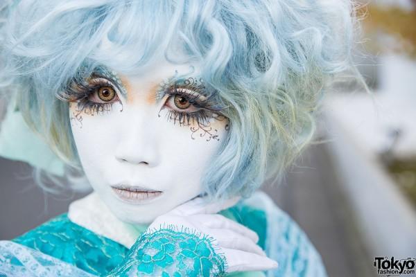 Blue Shironuri Makeup