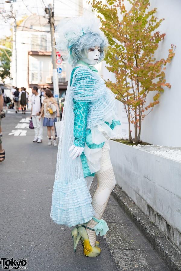 Minori in Harajuku With Lace, Ruffles & Ripped Fishnets