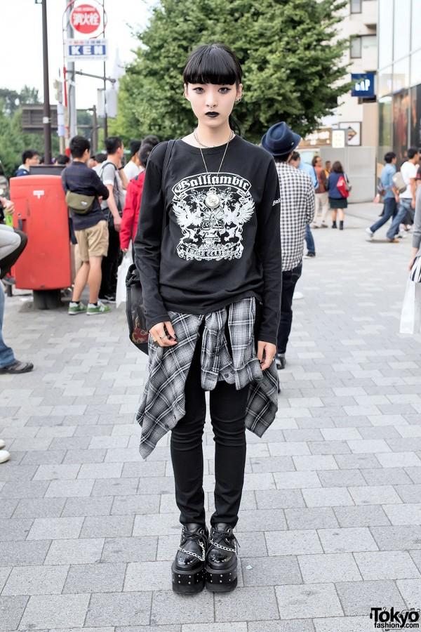 Black Lipstick, Nose Ring, Dark Fashion & Chain Creepers in Harajuku