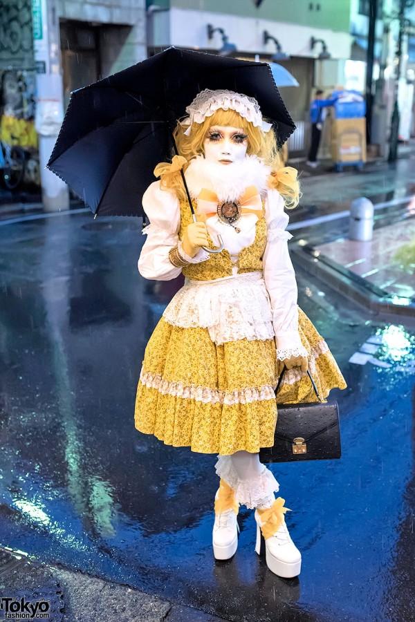 Shironuri Minori Wearing Yellow in the Rain in Harajuku