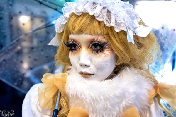 Yellow Hair & Shironuri Makeup