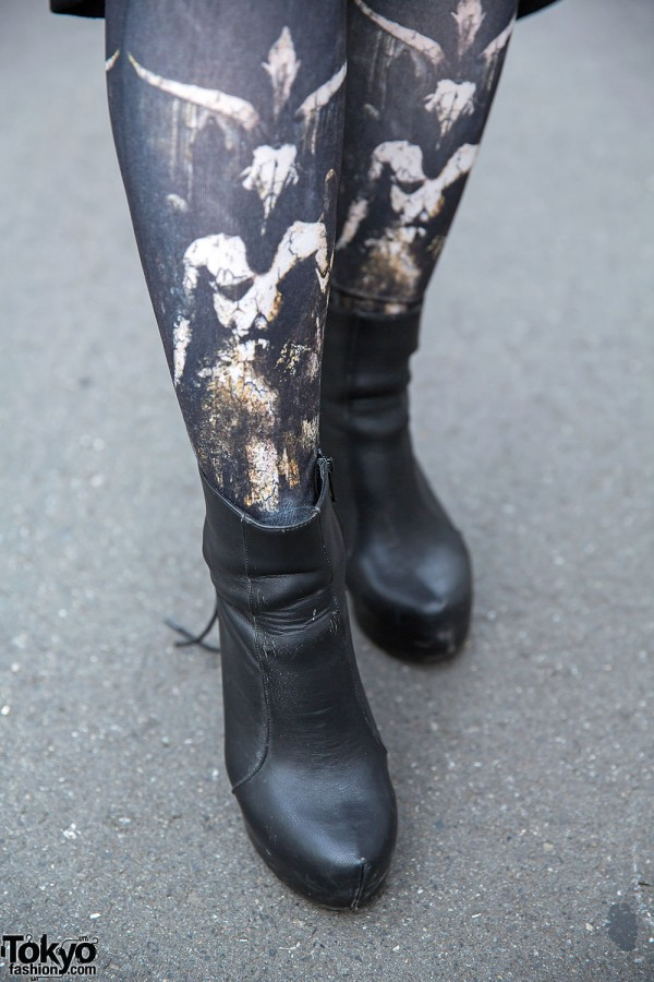 Ankle Boots & Graphic Goth Tights