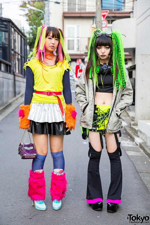 Harajuku Girls in Cyber Fashion & Hair Falls