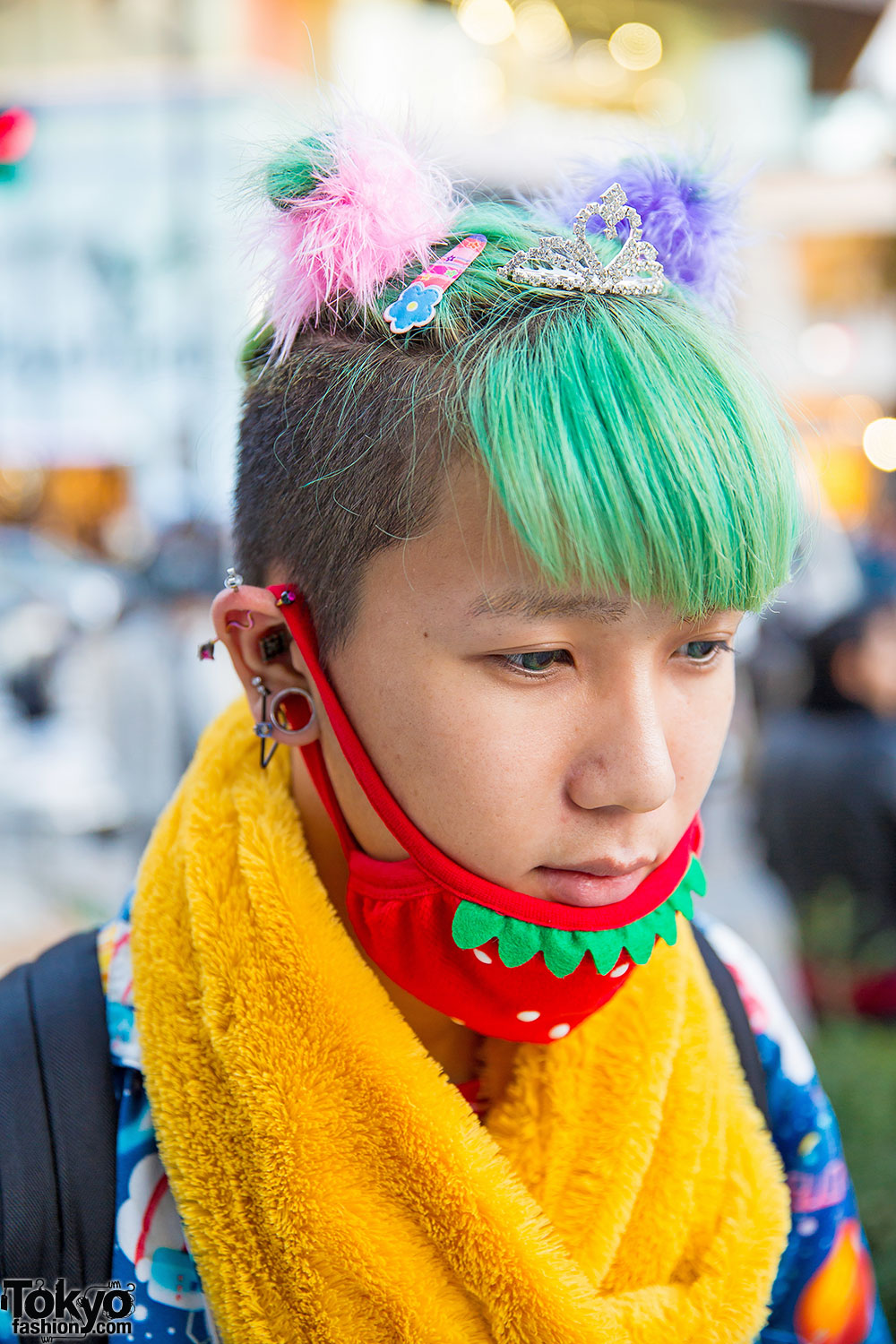 Harajuku Guy W Tiara In Colorful Hair Hello Kitty