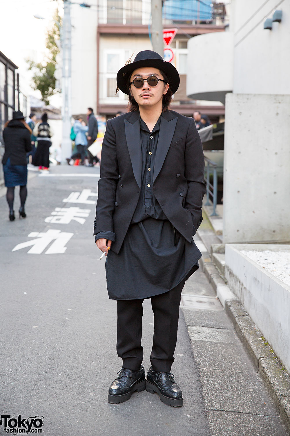 683189426a8 Art Comes First Suit   Hat w  Banal Chic Bizarre Brogues in Harajuku