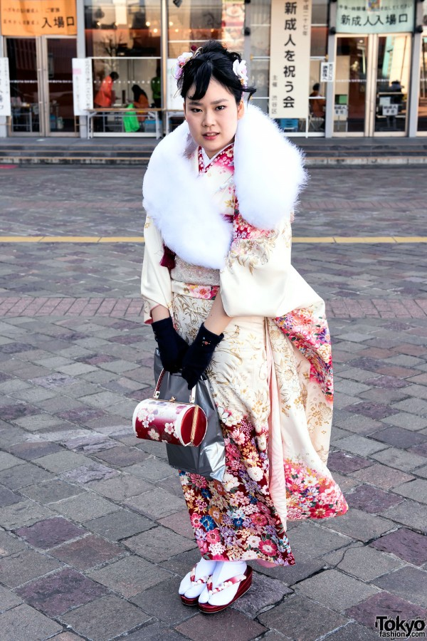Coming Of Age Day in Japan Kimono (20)