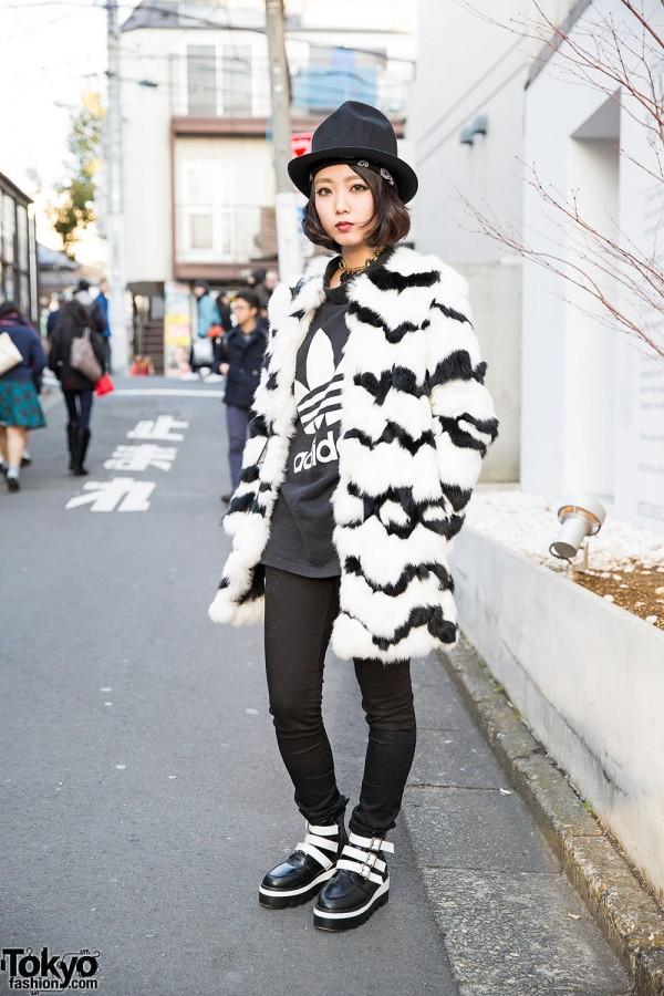 Murua Faux Fur Coat, Cecil McBee Jeans & Bubbles Harajuku Boots