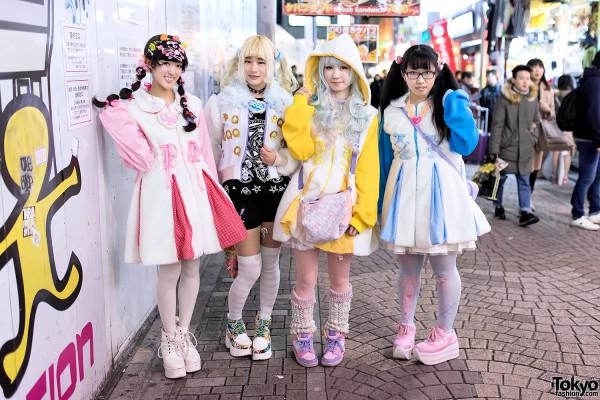 Harajuku Girls in Kawaii Fashion by Conpeitou & COSMICmagicals