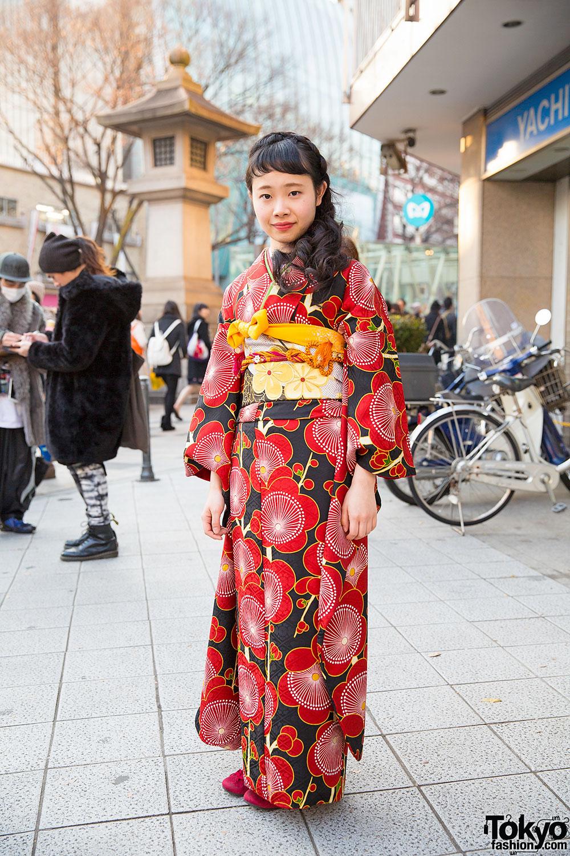 Pretty Floral Print Kimono Amp Braids Hairstyle In Harajuku