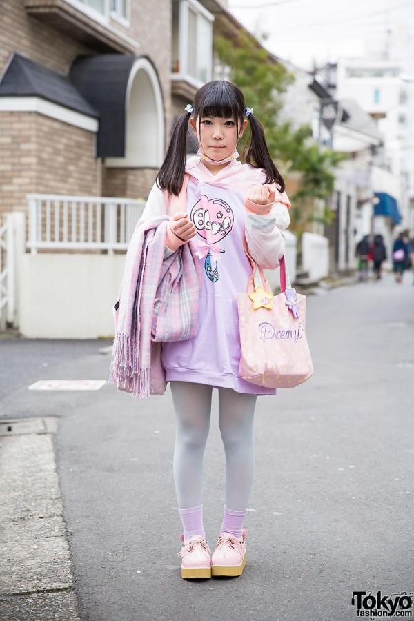 Twin Tails w/ Pastel Milklim & Swimmer Fashion in Harajuku