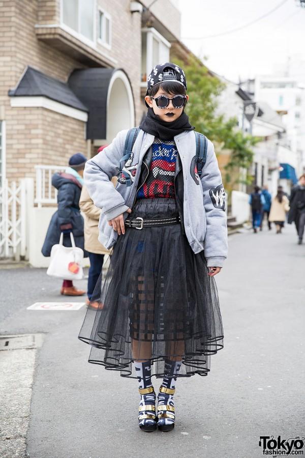 Black Lipstick, Sheer Skirts, Listen Flavor Top & Metallic Sandals in Harajuku