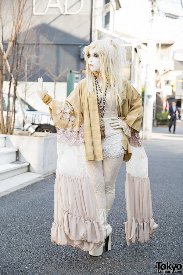 Shironuri Artist Minori in Gold Kimono, Corset & Platform Boots