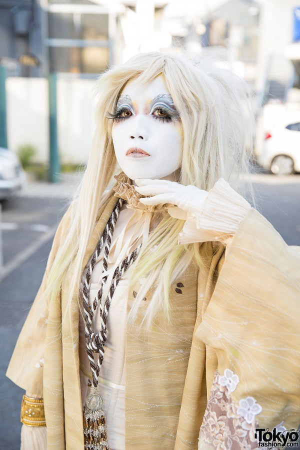 Shironuri Makeup in Harajuku