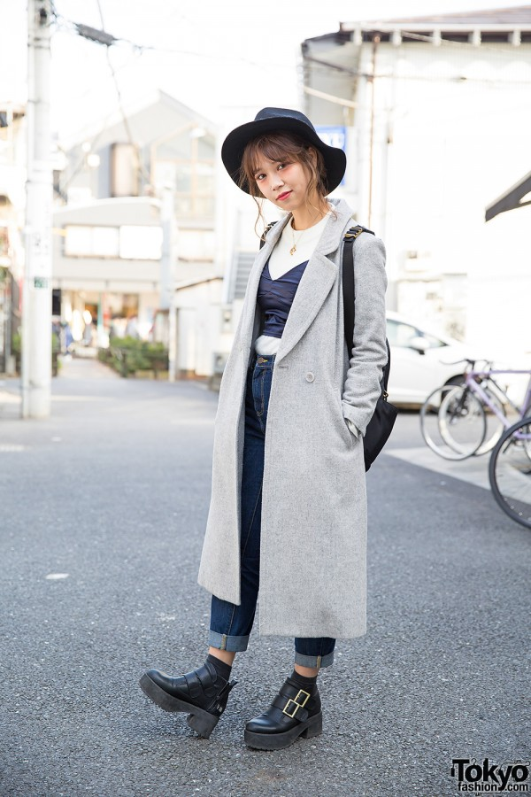 Snidel Maxi Coat, Crop Top, Rolled-Up Jeans & Marc Jacobs Bag in Harajuku