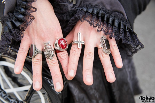 Links to Gothic Lolita Punk fashion websites, Harajuku