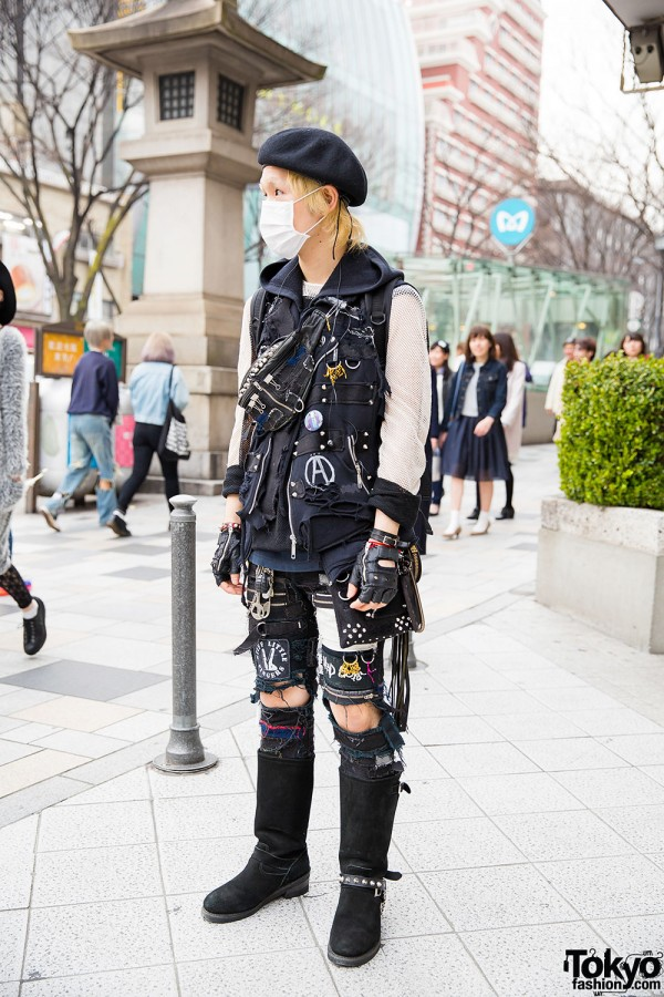Harajuku Guy in Patched Punk Fashion w/ Beret & Boots