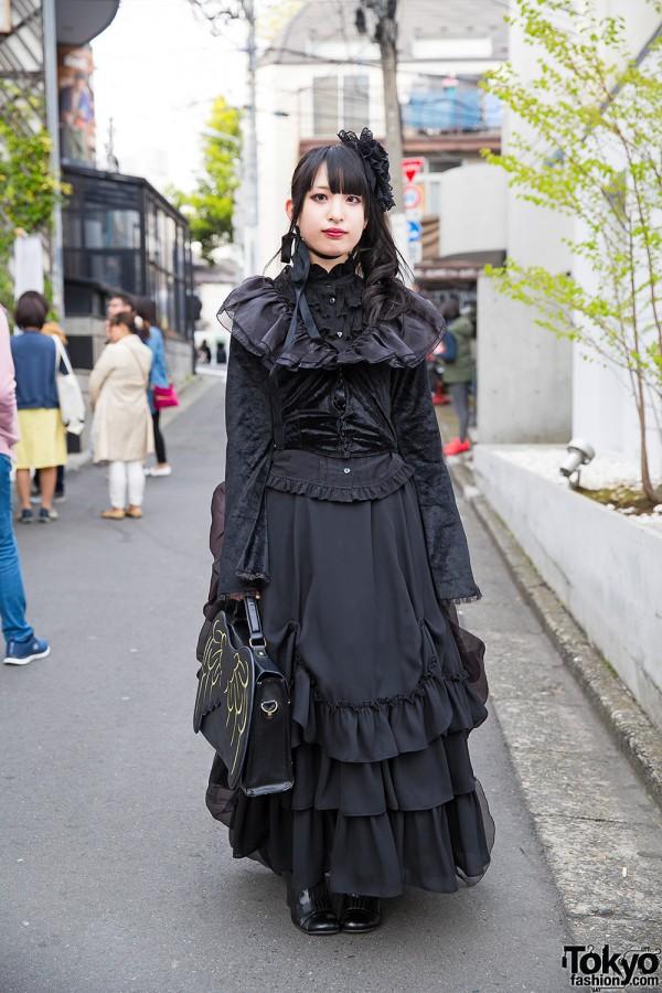 Gothic Lolita Harajuku Girl in Innocent World Dress, Wings Handbag & Flower Headpiece
