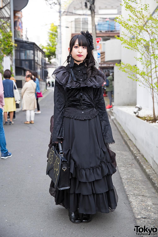 Goth Harajuku Girl In Innocent World Dress Wings Handbag Flower Headpiece
