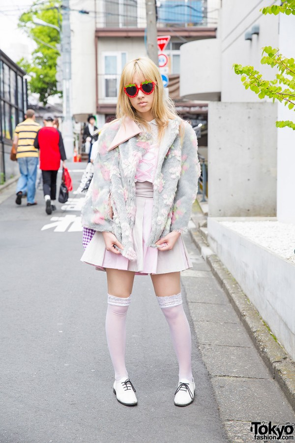Esbat Pastel Fashion, Knee Highs & American Apparel Shoes in Harajuku