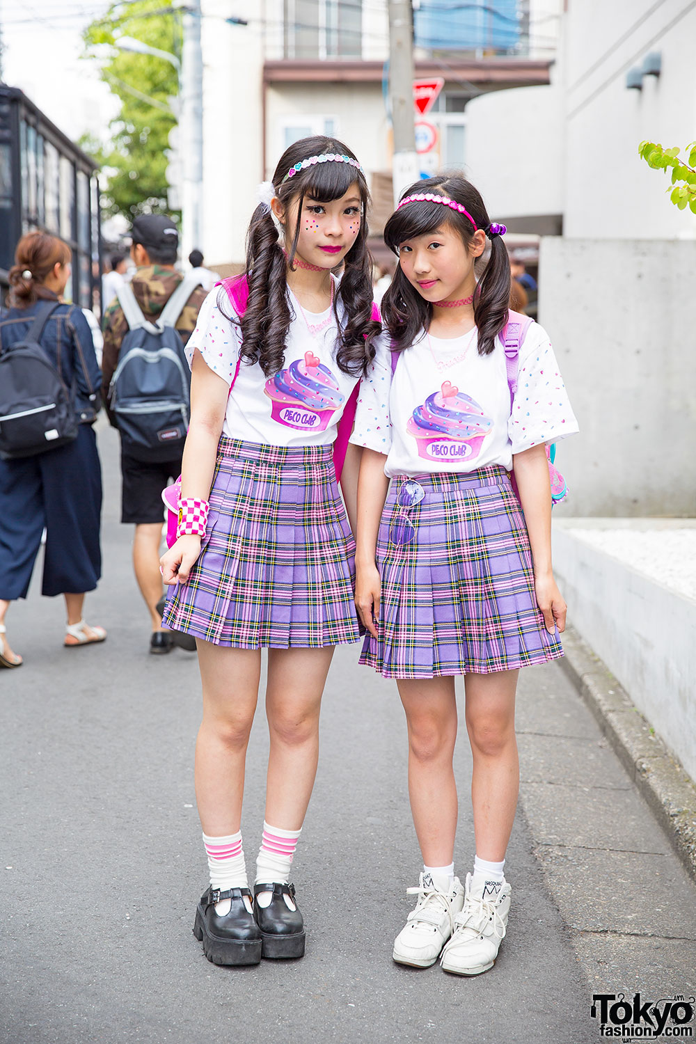 Peco Club Girls In Harajuku W Matching Bubbles Plaid Skirts