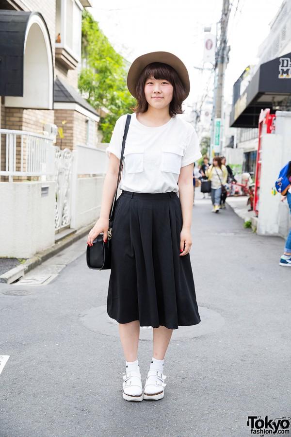 Harajuku Girl in GU Street Fashion w/ Lowrys Farm & Lepsim Hat