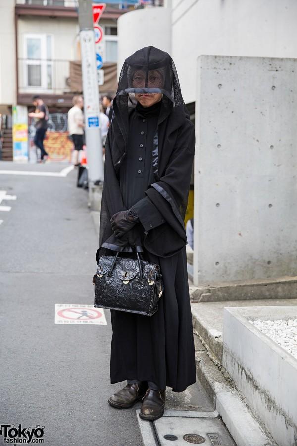 All Black Alice Auaa Fashion & Veil in Harajuku w/ Grace Continental Bag