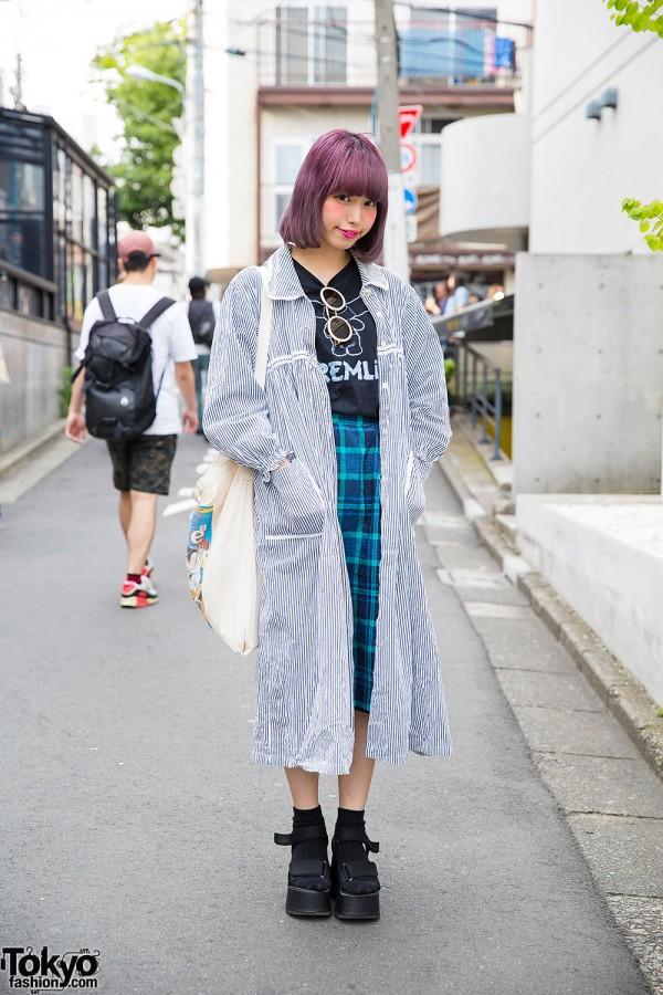 Dark Pink Hair, Gremlins, Long Coat & Platform Sandals in Harajuku