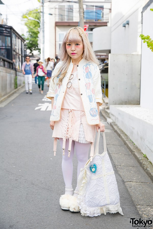 Harajuku Girl in Resale Pastel Fashion w/ Quilted Bag, Furry Shoes & Sango Barrette