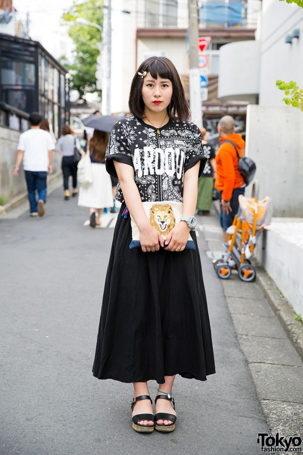Black & White Spinns Harajuku Fashion w/ Lion Clutch, Skull Necklace & Sandals