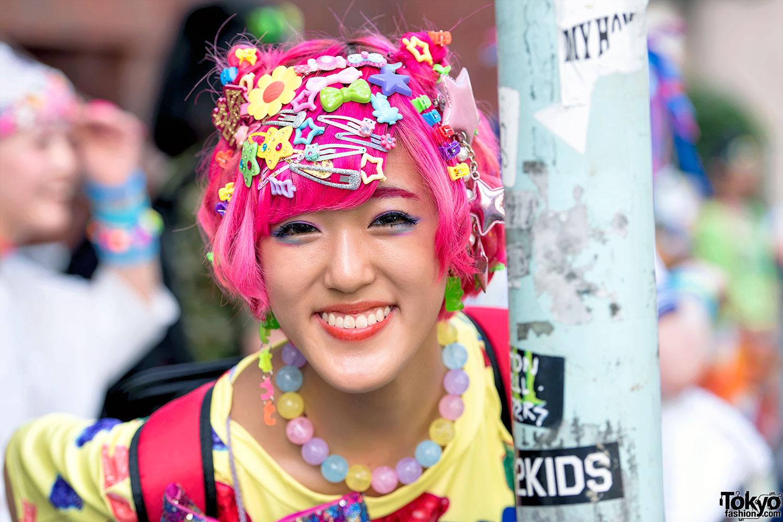 click on any harajuku decora fashion photo to enlarge it