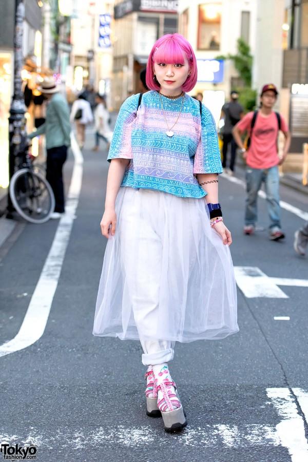 Pink Hair, Platform Sandals, Yo-Kai Watch & Sebon Star Necklace in Harajuku