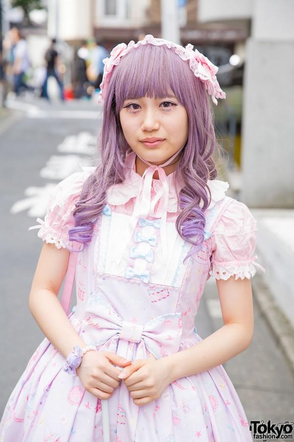 Pastel purple hair and lacy katyusha