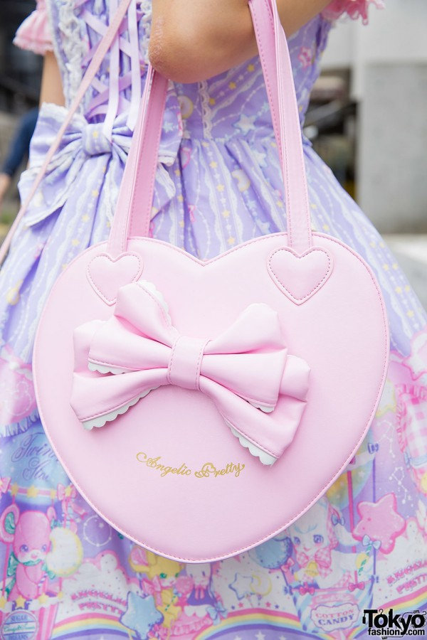 Pink heart-shaped Angelic Pretty bag