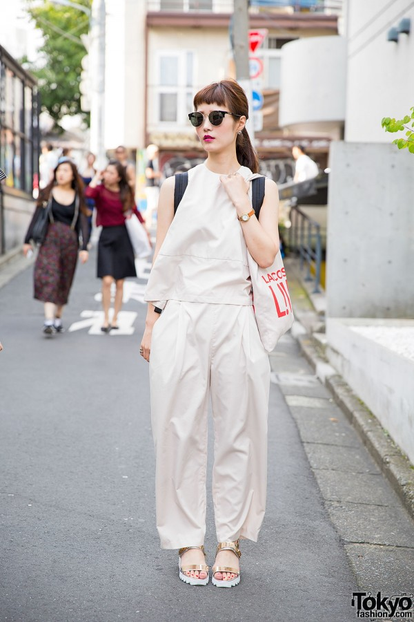 Harajuku Girl in Minimalist Look w/ Gold Sandals & Marc Jacobs Bag