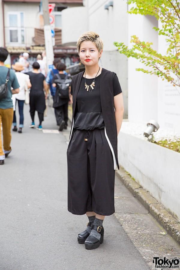 Harajuku Girl w/ Short Hair in Murua, Spiralgirl & Goocy Fashion