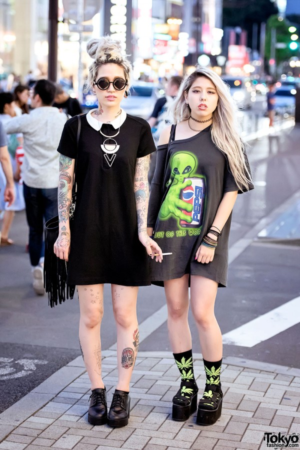 Harajuku Girls W Tattoos Piercings Amp Platform Sandals