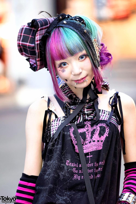 Harajuku Girl W Piercings Pink Blue Hair H Naoto