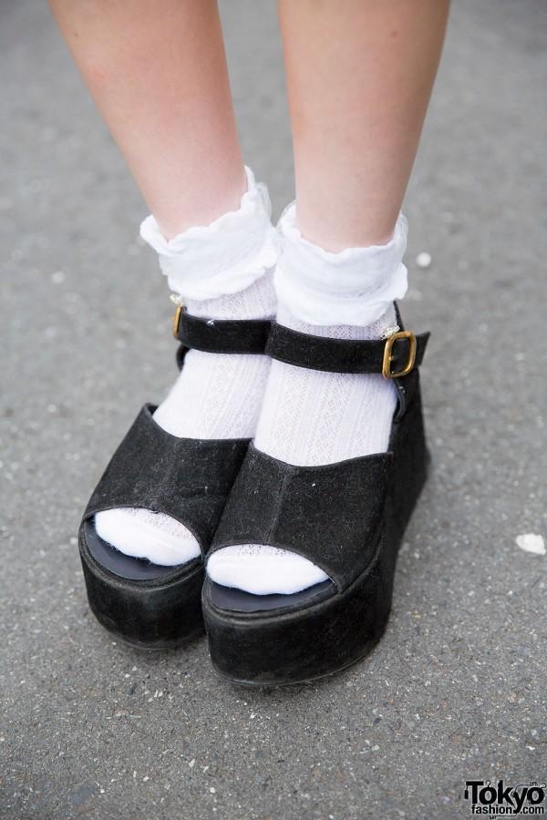 Harajuku Girls in Platform Shoes w/ Miauler Mew, Ingni
