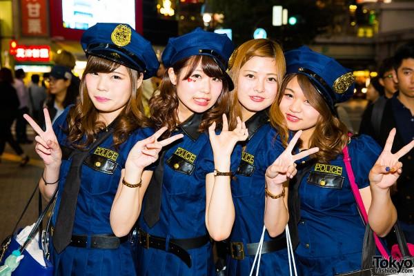 Halloween Eve in Japan - Costumes in Shibuya (15)