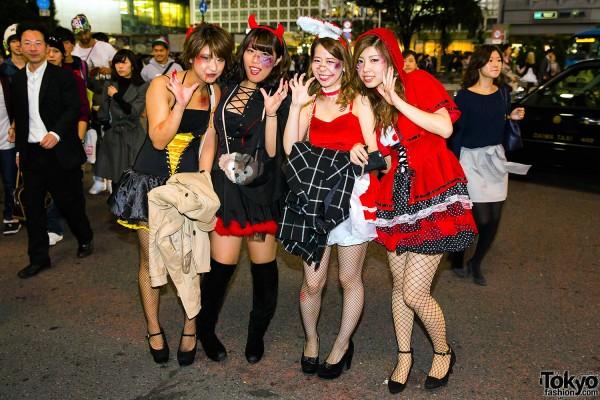 Halloween Eve in Japan - Costumes in Shibuya (38)