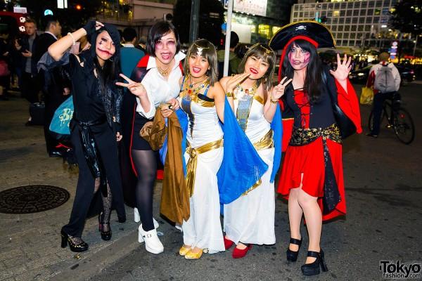 Halloween Eve in Japan - Costumes in Shibuya (41)