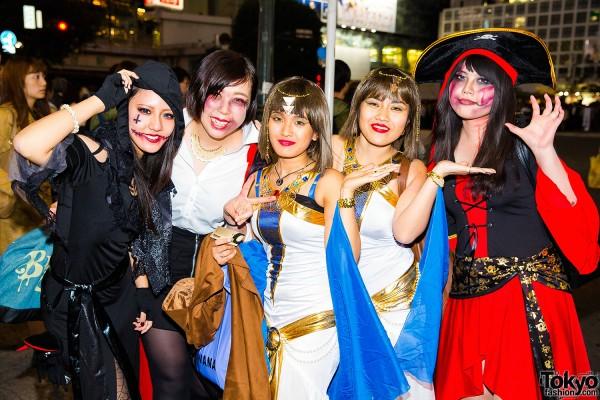 Halloween Eve in Japan - Costumes in Shibuya (42)
