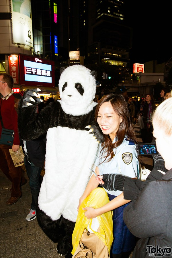 Halloween Eve in Japan - Costumes in Shibuya (66)
