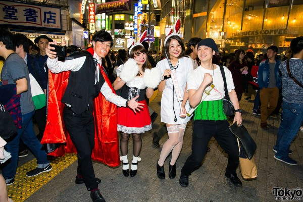 Halloween Eve in Japan - Costumes in Shibuya (83)