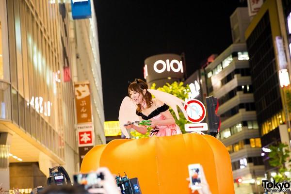 Halloween Eve in Japan - Costumes in Shibuya (91)