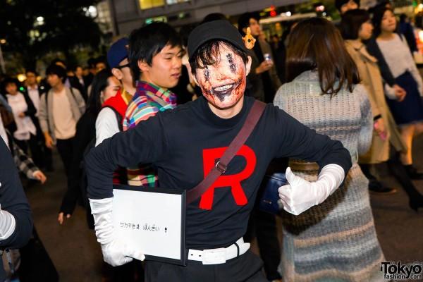 Halloween Eve in Japan - Costumes in Shibuya (101)
