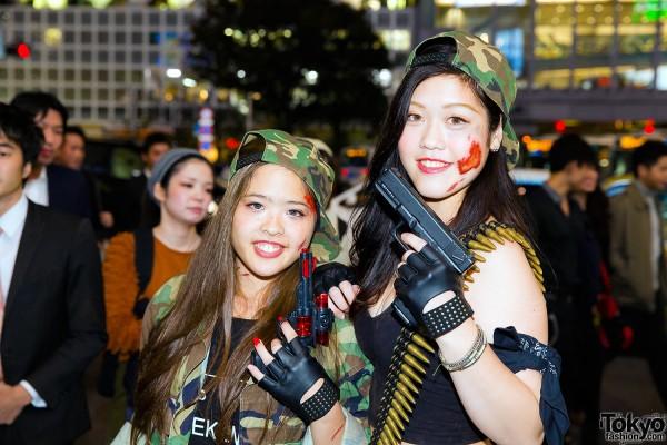 Halloween Eve in Japan - Costumes in Shibuya (113)