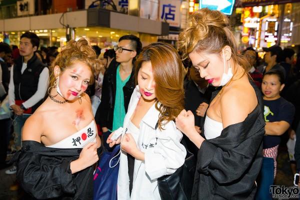 Halloween Eve in Japan - Costumes in Shibuya (117)