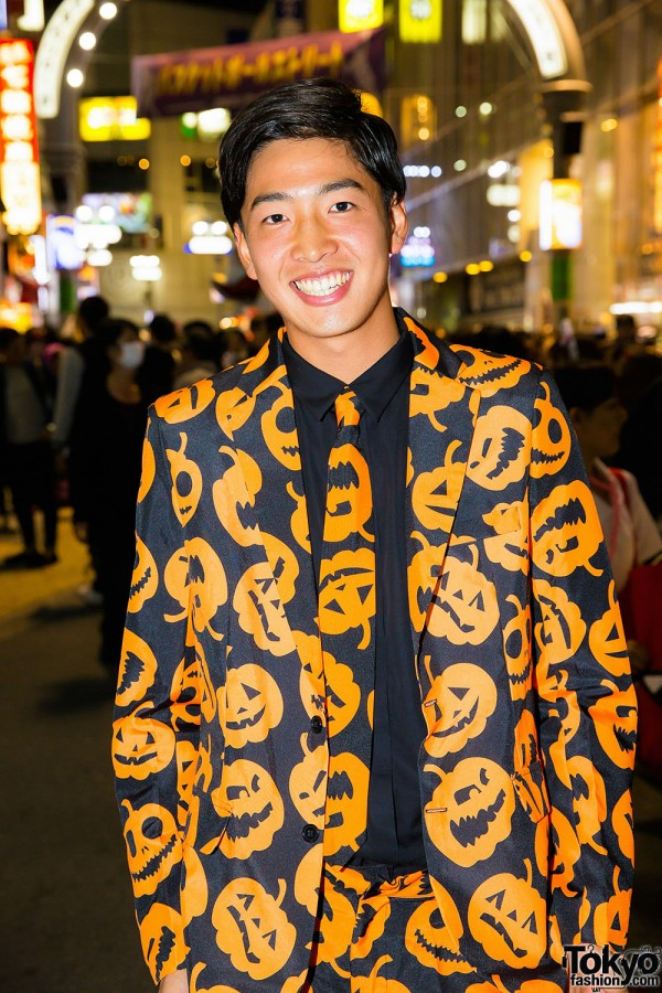 Halloween Eve in Japan - Costumes in Shibuya (123)